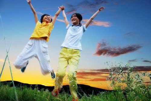 毛主席说:青年人是早上八九点钟的太阳