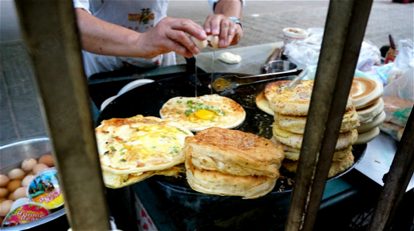 路边早餐摊