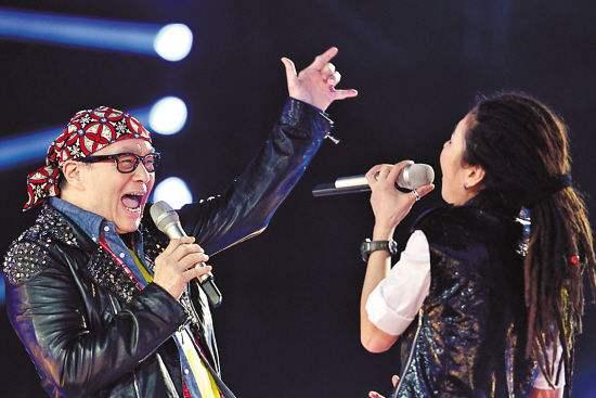 《中国好声音》钟伟强和毕夏精彩演绎《hey judy》