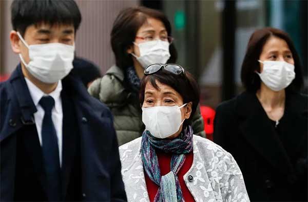 因此日本人会戴口罩,保护自己也避免影响他人。