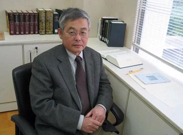 多年来,他一直被认为是诺贝尔文学奖的有力竞争者。