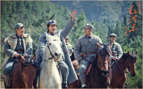 看到红军打漳州一段,外景真是太假了!