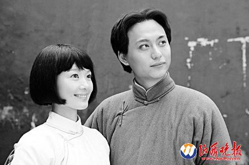 第一次演毛泽东的侯京健非常像油画《毛主席去安源》里的年轻毛泽东!