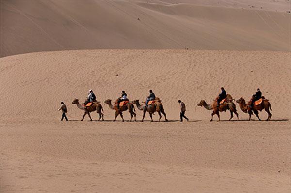 敦煌二字,铭记着这个沙漠明珠的辉煌历史