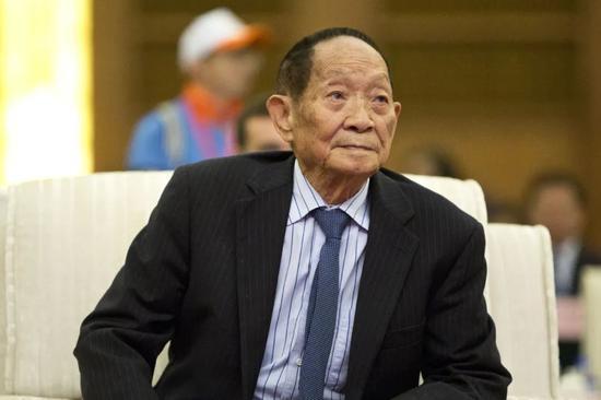 袁隆平一直强调,自己有两个梦