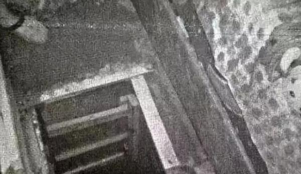 刘某持刀闯入周某所在宿舍将其强行带走并进行了拘禁