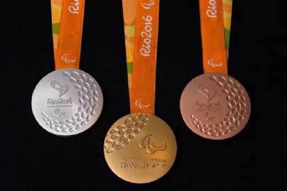 一枚金牌所含的黄金重量不得低于6克