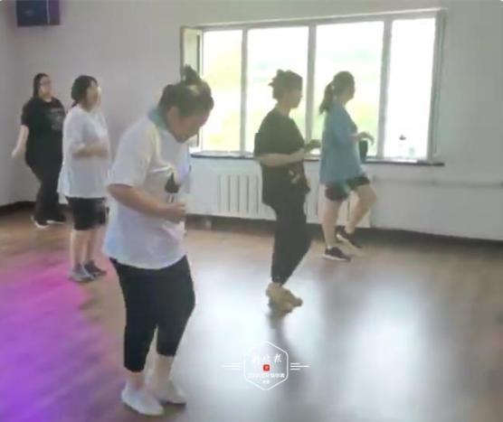 黑龙江20岁女生减肥营中猝死 同训学员:节食减肥太要命