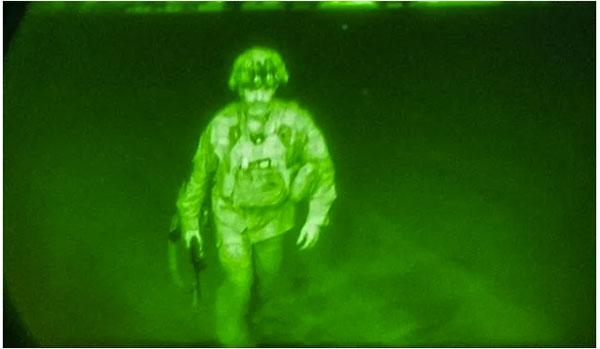 克里斯·多诺霍,少将军衔,美军第82空降师指挥官。