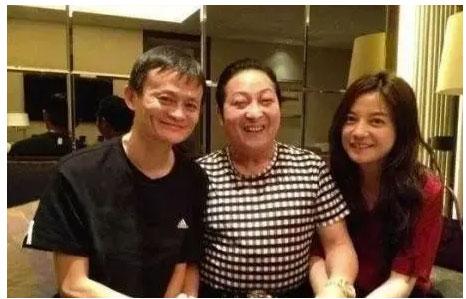 2013年,马云拜访王林,赵薇同行,此事引起社会极大关注