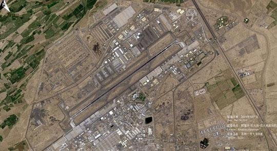 阿富汗机场附近的卫星成像城市布局
