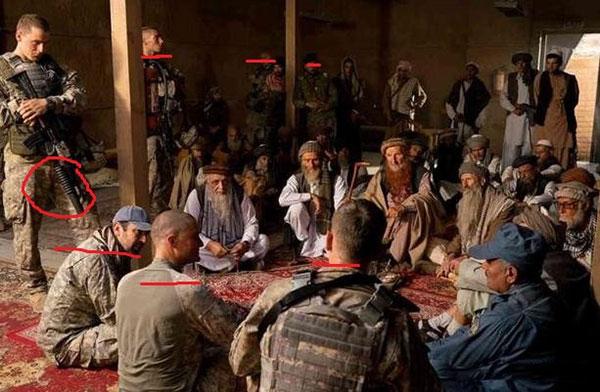 美国大兵通常是这么统治乡村基层与部落沟通的